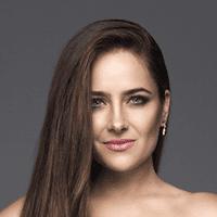"Natália Hatalová <br><a style=""color:#00beff"" href=""https://www.instagram.com/nataliahatalovaofficial/?hl=sk"" target=""_blank"">@nataliahatalovaofficial</a>"